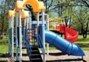 Managing strangulation hazards on play equipment